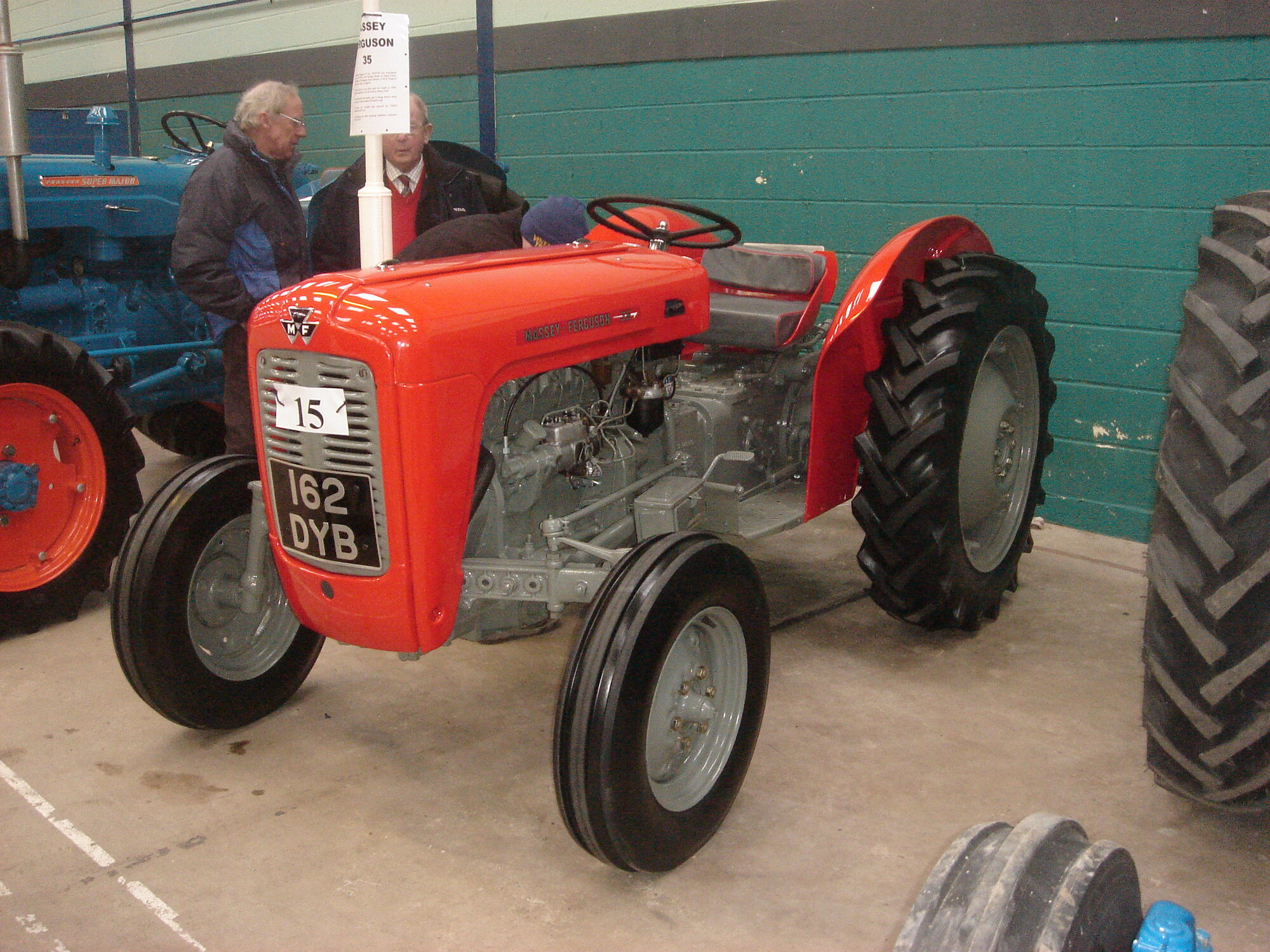 massey ferguson 35 tractor construction plant wiki. Black Bedroom Furniture Sets. Home Design Ideas