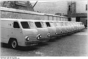Bundesarchiv Bild 183-21519-0005, Neue Fahrzeuge der Deutschen Post