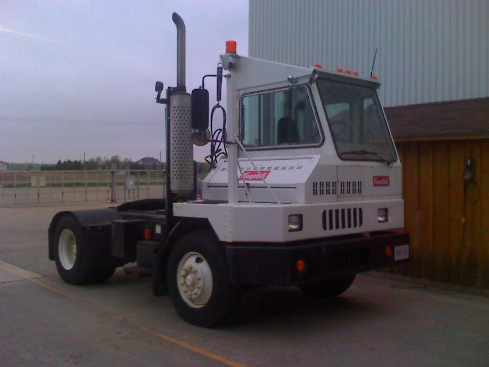 Mule Tow Tractor : Shunt truck tractor construction plant wiki fandom