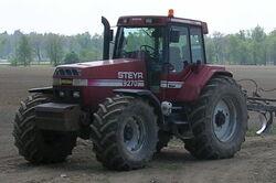 Steyr 9270 tractor