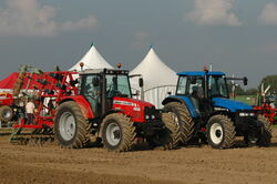 Massey Ferguson 6480, New Holland TM125