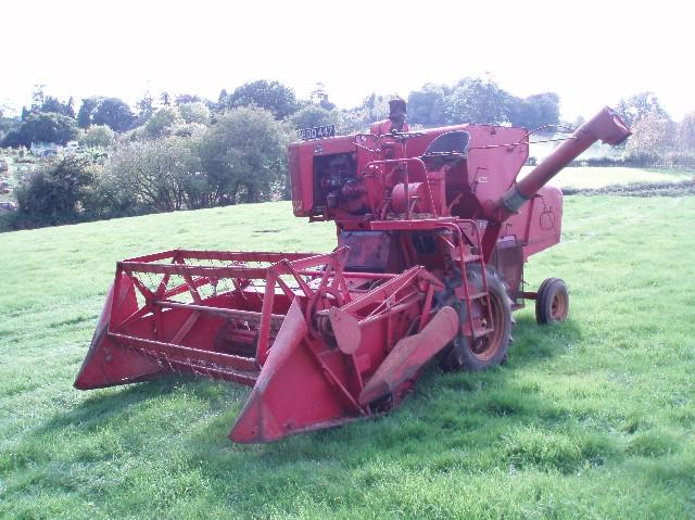 Massey Ferguson Model 31 Combine Harvester | Tractor