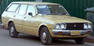 1974-1977 Toyota Corona (RT118) SE station wagon 01