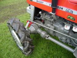 MF 4-wd Axle + drive shaft-P8100533