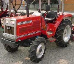 MF 1225 MFWD (Hinomoto)