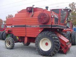 White 8900 combine - 1982