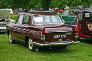 Morris Oxford Series V rear