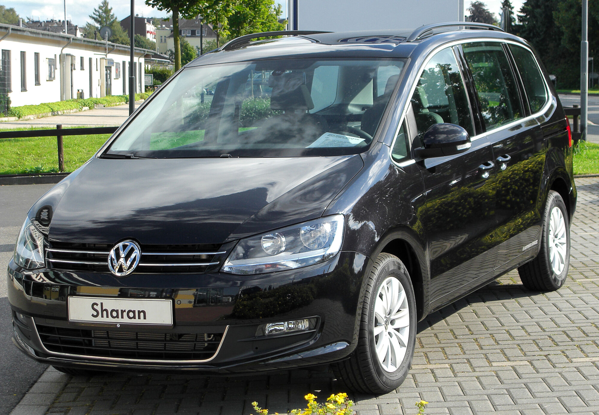 Volkswagen Sharan | Tractor & Construction Plant Wiki | FANDOM powered by  Wikia