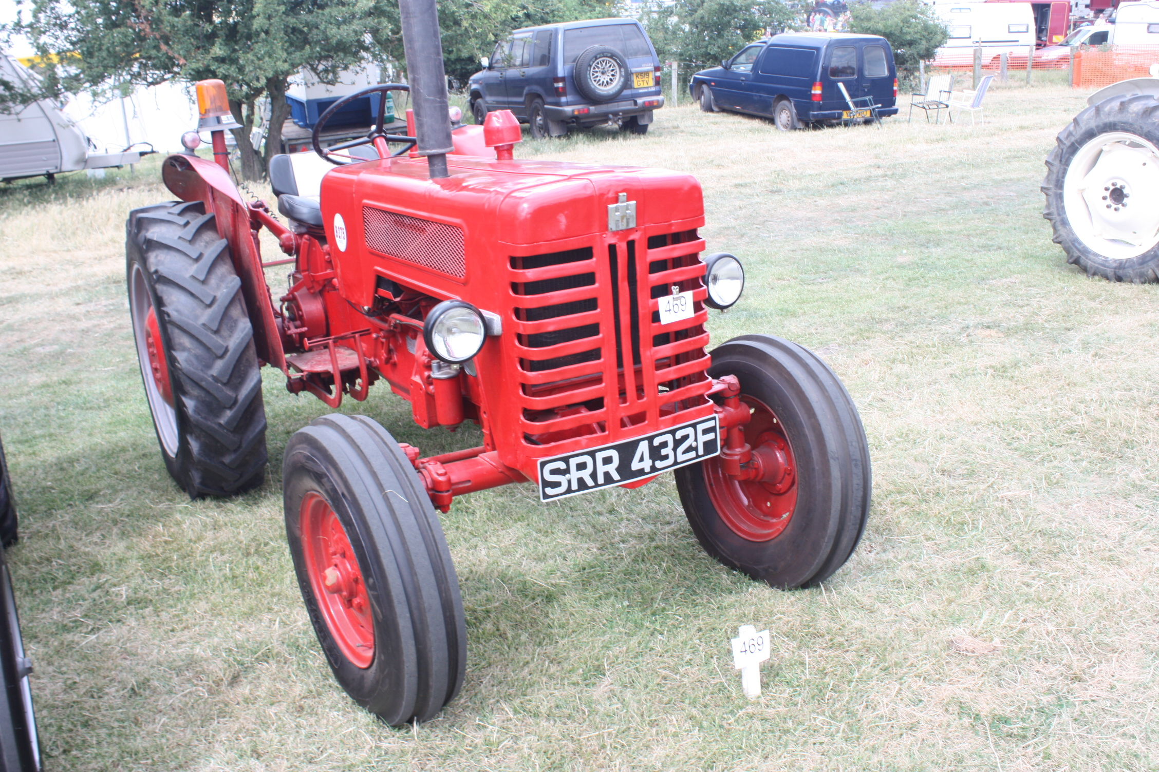 Tractors with unknown serial numbers below (if number known please update  and place in table above here). IH B275 ...