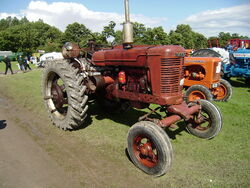 Farmall -unrestored-Driffield-P8100582
