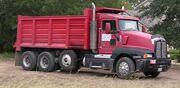 Triaxle dump truck 2005-10-06.km