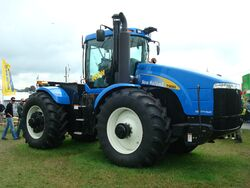 Traktor New Holland T9060