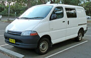 1995-2001 Toyota Hiace SBV (RCH12R) van 01
