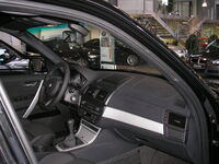 BMW X3 06 int