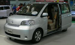Toyota Porte 02