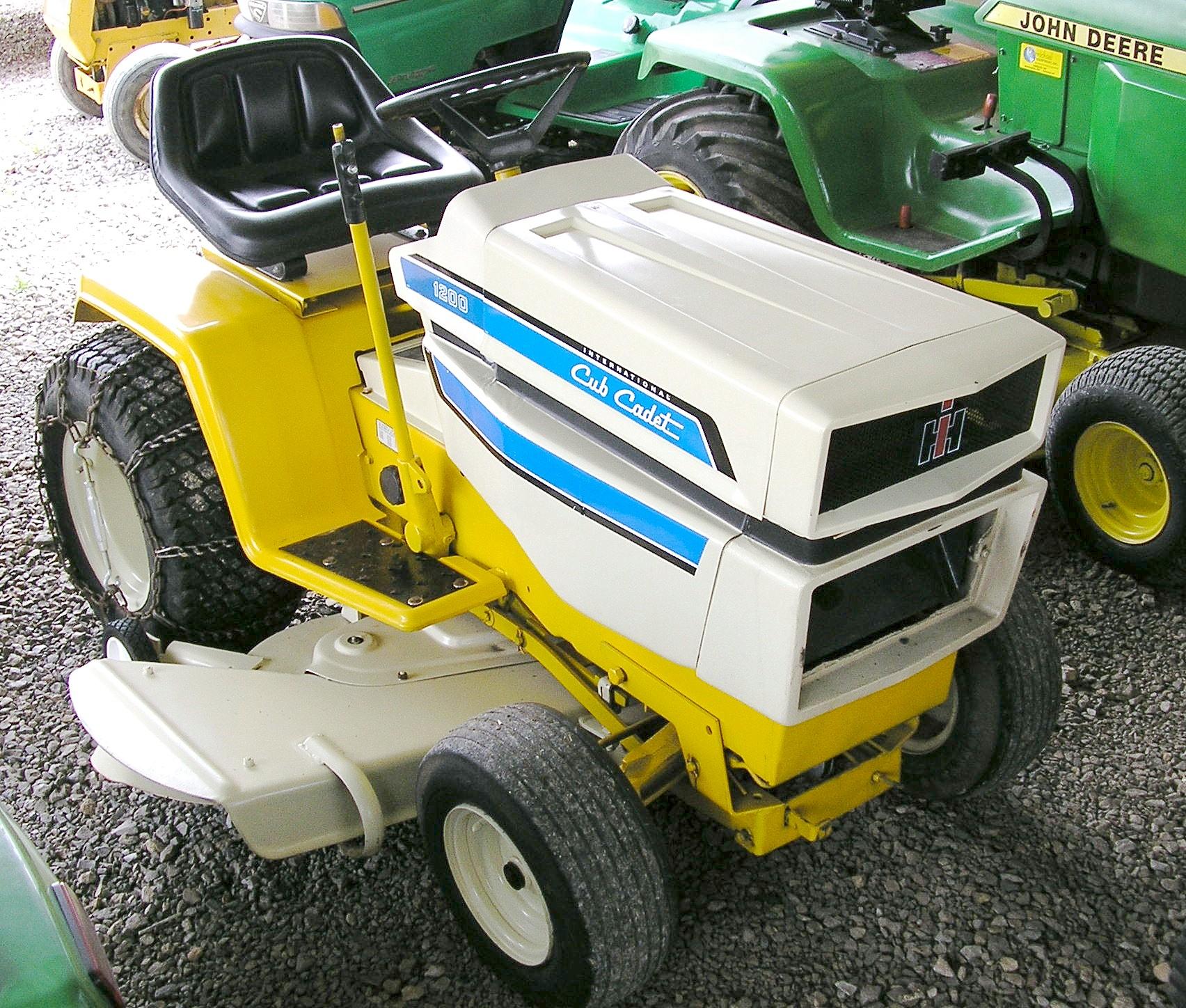 International Cub Cadet 1200 Tractor Amp Construction