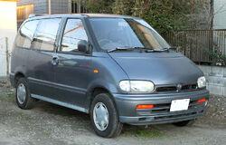 Nissan Serena C23 001
