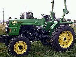 Avenger 354 MFWD (green) - 2001