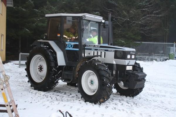Latest Cb on John Deere Tractor Transmission