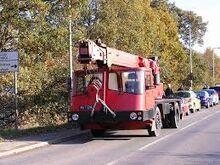 VICKERS-AWD Jones cranetruck