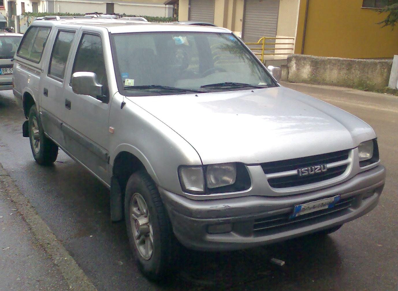 Isuzu TF 4-door pickup (Italy)