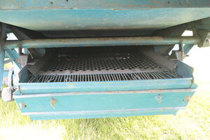 Ransomes MST 56 sieves - IMG 0880