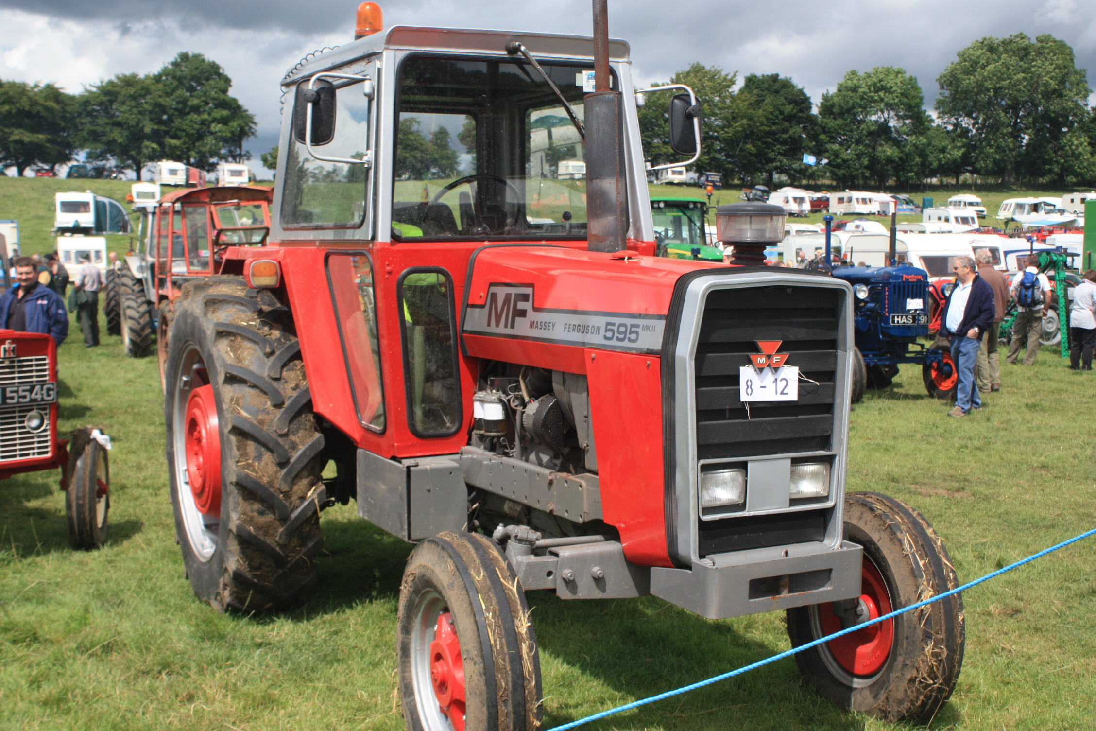 Massey Ferguson products by series | Tractor & Construction Plant ...