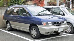 Nissan Prairie Joy 001