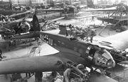 Bundesarchiv Bild 101I-774-0011-34, Produktion von Flugzeug Heinkel He 111 P-4