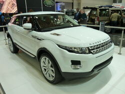 Range Rover Evoque 3-door wagon, prototype (2010-10-16) 02