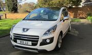 2012 Peugeot 3008 HYbrid4 Limited Edition UK model
