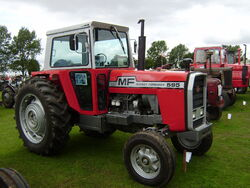 Massey Ferguson 595 - NFE 975P at Lincoln 08 - P8170538
