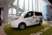 Nissan eNV200 1 9-June-2014 - picture by Bertel Schmitt 03