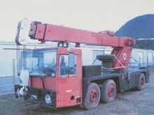 An early 1980s VICKERS-AWD Zircon 15-17 Ton Cranetruck Diesel hydraulic