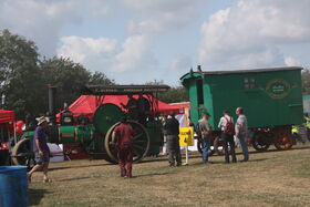 Aveling & Porter no. 7632 - RR - Betsy living van at Hollowell 2011 - Picture 106