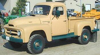 International 1955 R-120 4x4