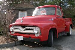 1955 Ford F-100 front
