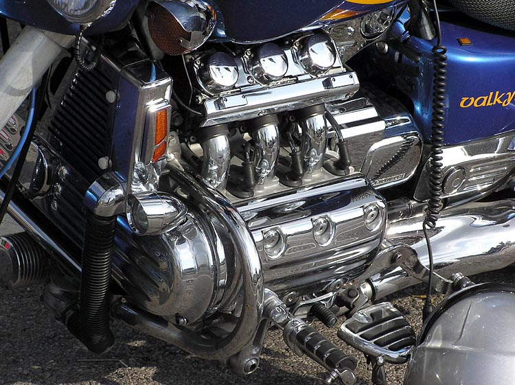 Flat-six engine | Tractor & Construction Plant Wiki ...