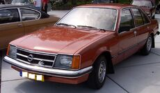 Opel Commodore C vl red.jpg
