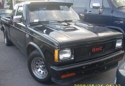 Tuned GMC S-15 Sierra Extended Cab (Orange Julep)