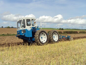 Fc1004ploughing1
