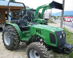 LG Montana 4340 MFWD-2004