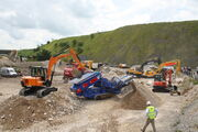 Hanix H75C feeding Herbst screner at Hillhead 2012 - IMG 1273