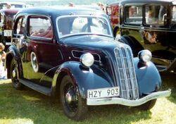 1938 Ford 7W Ten Junior De Luxe Saloon HZY903