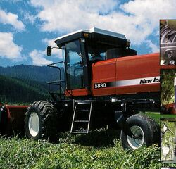 New Idea 5830 swather - 2001