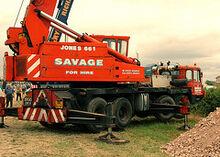 VICKERS-AWD Jones 661M Cranetruck
