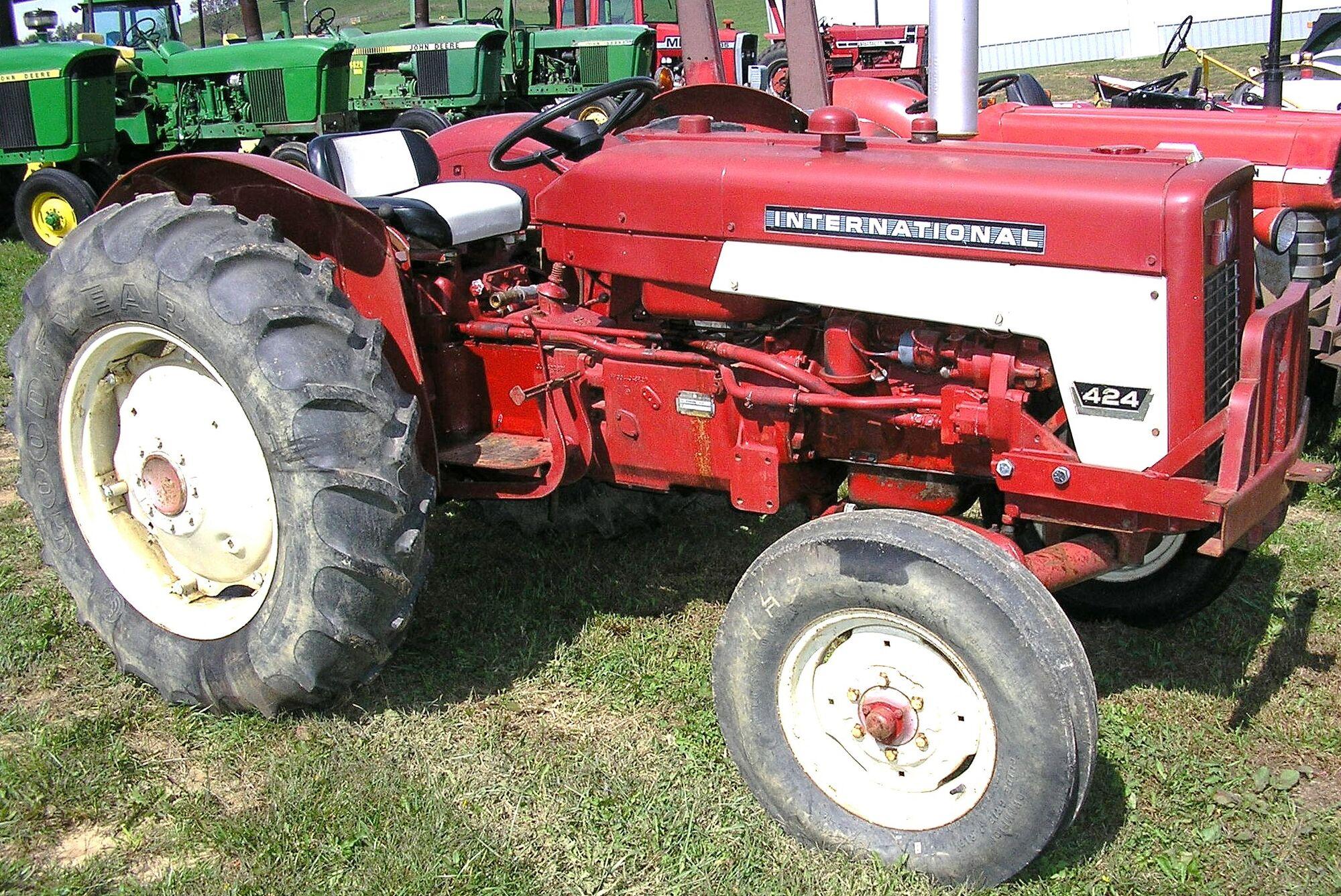 Ih 2424 Tractor Loader : International harvester tractor construction plant