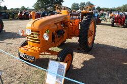 Renault D35 - 7050 - 697XUP at (24) Barleylands 2009 - IMG 9426