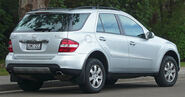 2005-2008 Mercedes-Benz ML 350 (W164) wagon 02