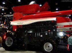 MF 9695 combine - 2010